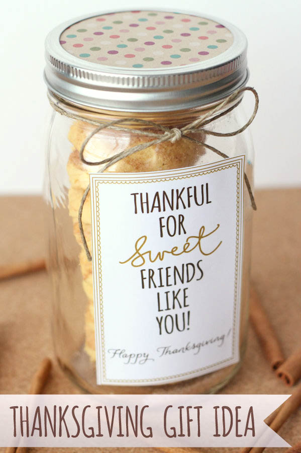 These  thankful labels from lil' luna  aren't just for Thanksgiving! She's got a variety of labels on her blog - I used them on treat boxes but you can use them just about anywhere!
