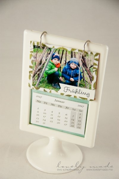 Create a mini calendar with your favorite photos! From lovelymade .