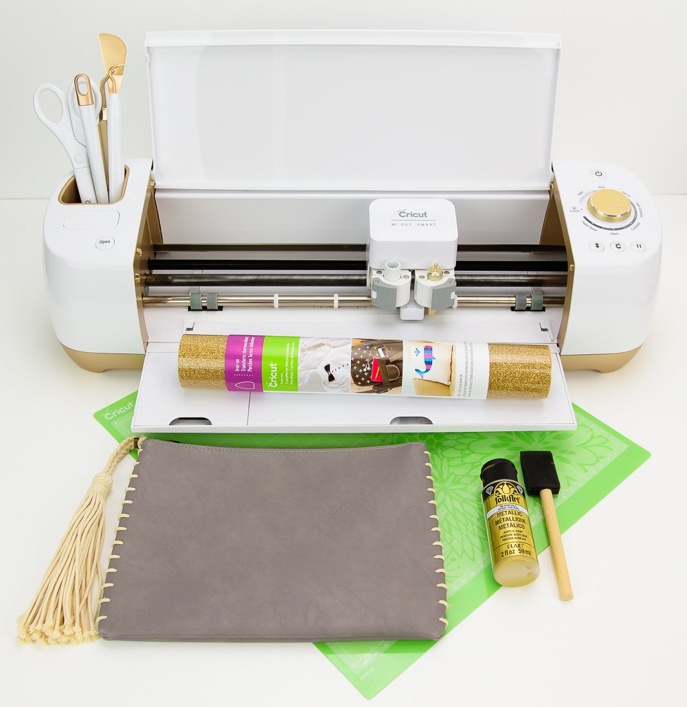 cricut explore air and supplies for pinapple clutch