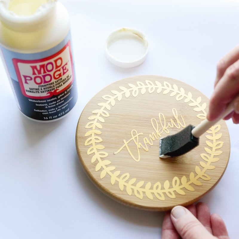 apply mod podge furniture satin to the lid