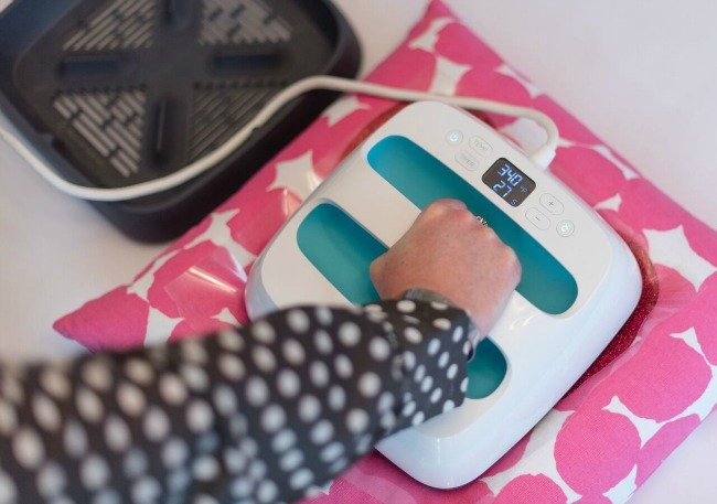 use EasyPress to adhere your heart to the pillow