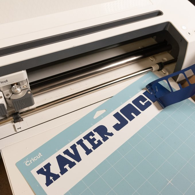 removing vinyl from Cricut
